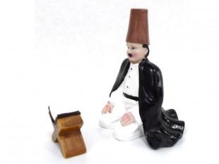 Sitting Man Praying - Set - Italian Ceramic  in Kuwait